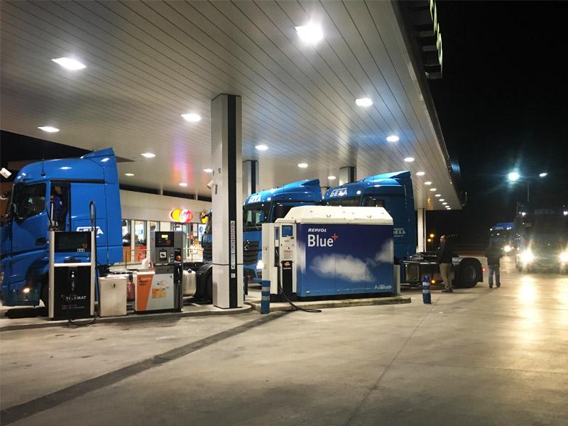 La caída del precio del petróleo no se traduce en los precios de los combustibles